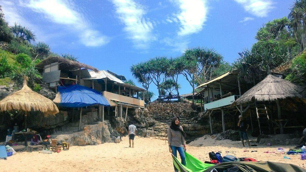 pantai watu lawang Gunungkidul