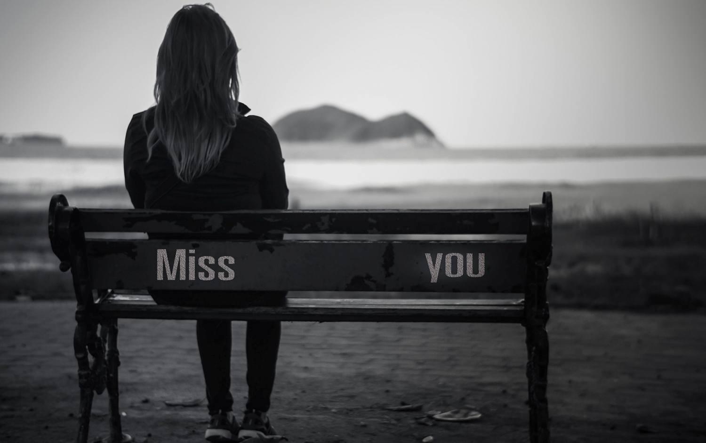cewek kangen alone sit duduk sendiri