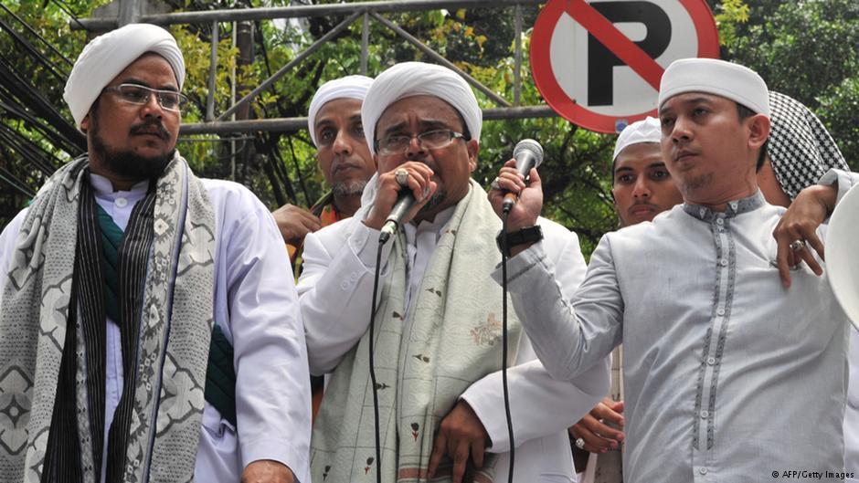 habiib rizieq fpi front pembela islam man