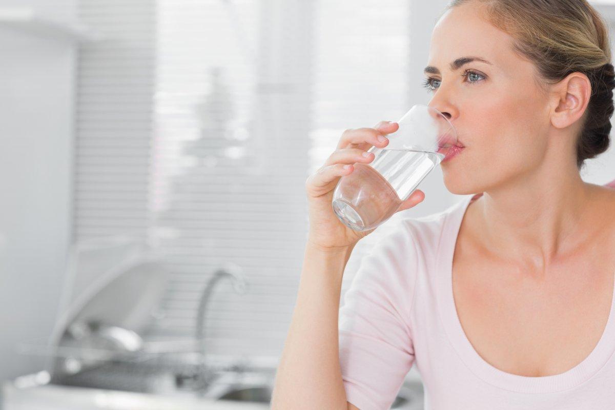 women drink health