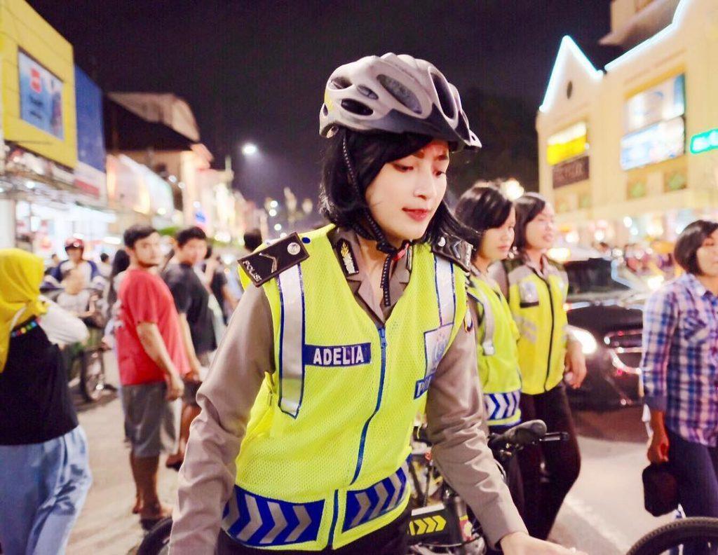 polwan polisi wanita cantik malioboro