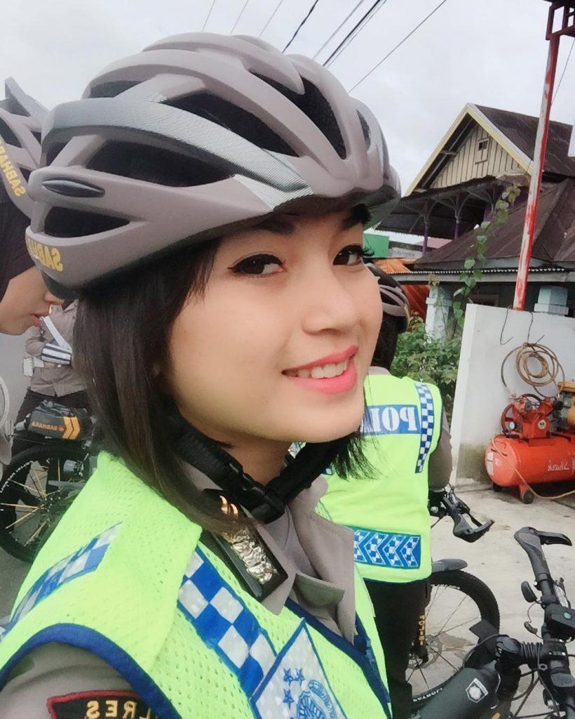 polwan polisi wanita cantik