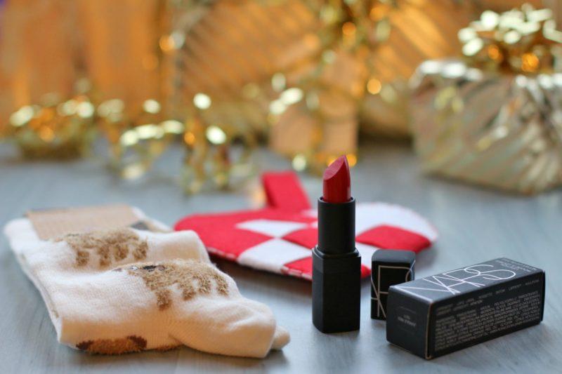 lipstick red gift valentine