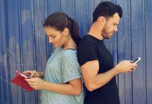 media sosial couple social media