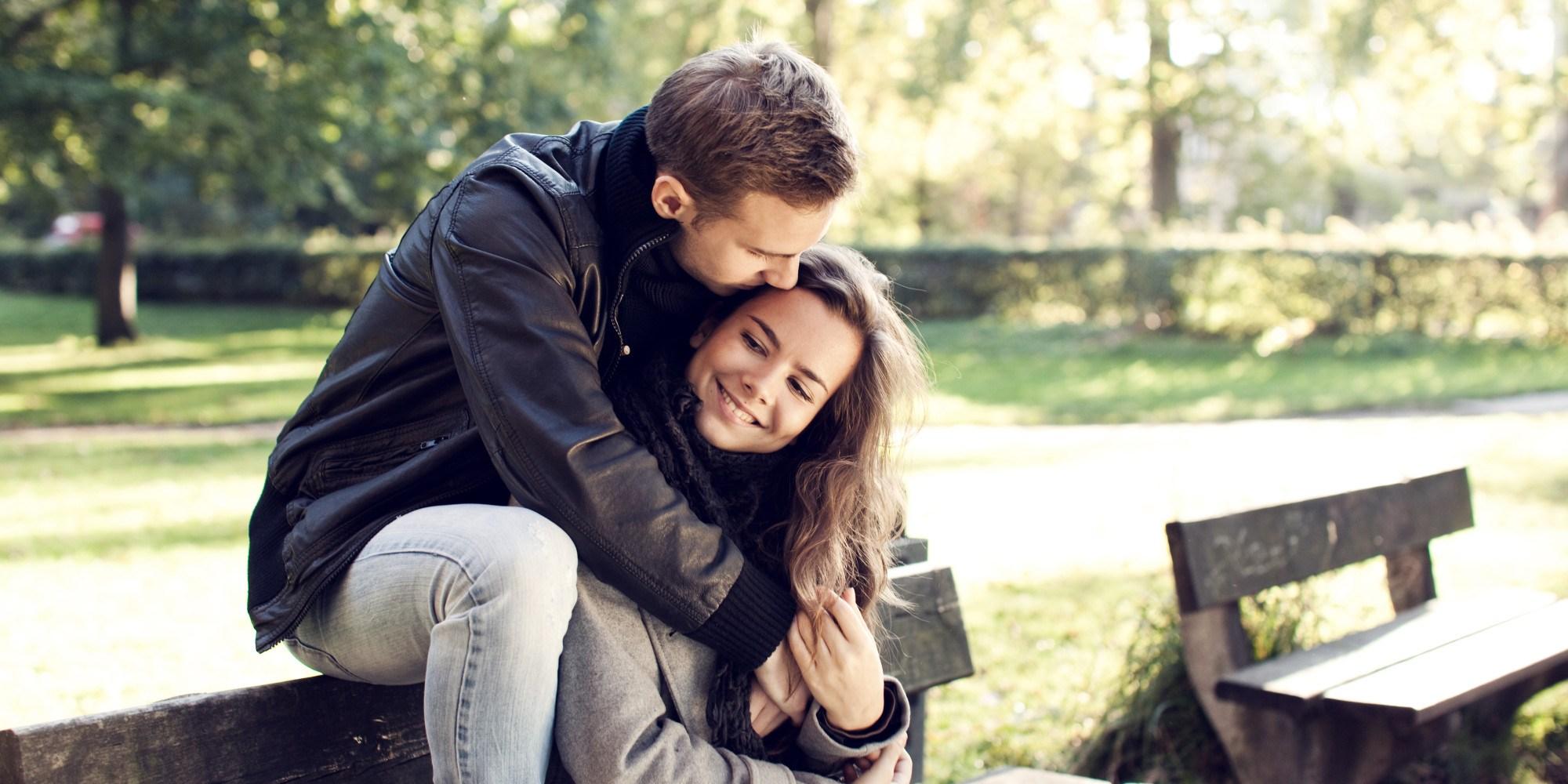 setia couple cuddling love