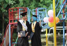wisuda mahasiswa jogja kuliah