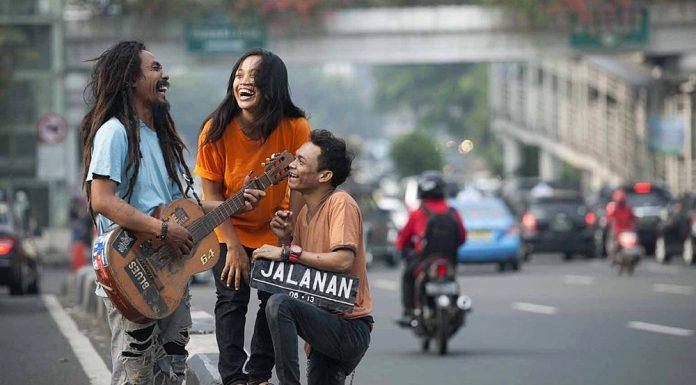 pengamen jalanan penyanyi profesional bakat